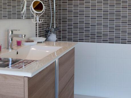 meuble vasque showroom saint meen le grand queguiner materiaux